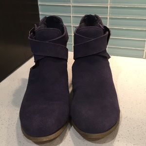 Sole Society Mid-blue suede booties size 7.5